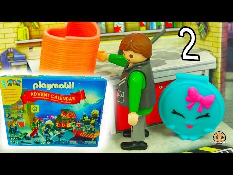 Playmobil Holiday Christmas Advent Calendar - Toy Surprise Blind Bags  Day 2 - UCelMeixAOTs2OQAAi9wU8-g