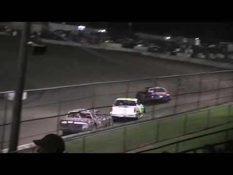 HOT IStock 08 26 16 - dirt track racing video image