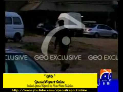Drunk Police Officer Caught On Tape in Karachi