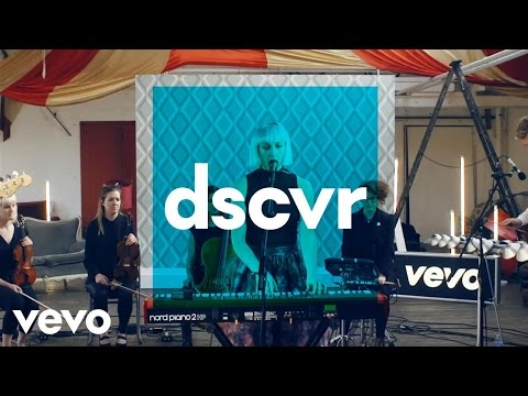 Vaults - Cry No More - Vevo dscvr (Live) - UC-7BJPPk_oQGTED1XQA_DTw