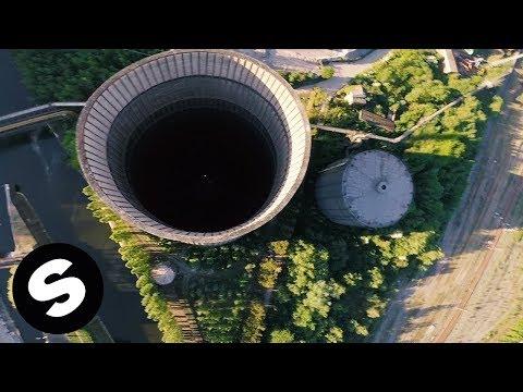 Curtis Alto - Hold Me Close (Official Music Video) - UCpDJl2EmP7Oh90Vylx0dZtA