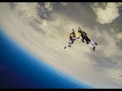High altitude acrobatic skydiving FULL RUN - Red Bull Skycombo - UCblfuW_4rakIf2h6aqANefA