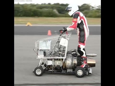 Xe mua hàng siêu thị gắn động cơ rocket (VOA)
