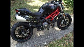 Cambio filtro aria su Ducati Monster 796