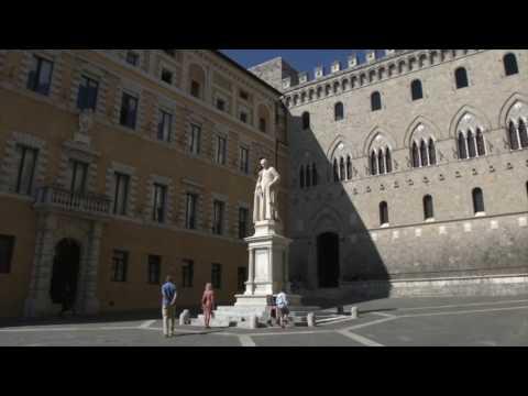 Il Restauro della statua di Sallustio Bandini in Piazza Salimbeni