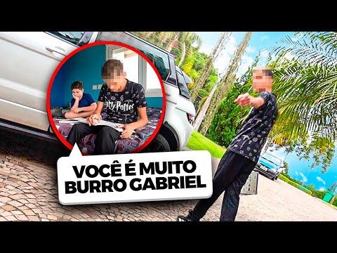O GABRIEL LEVOU UM AMIGO DA ESCOLA PRA FAZER UM TRABALHO EM CASA MAS... TIVE QUE EXPULSAR ELE