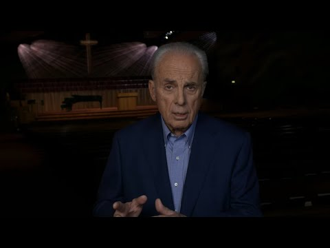 John MacArthur on the Evangelical Attraction to the Catholic Church