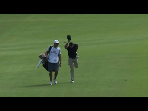Charl Schwartzel holes approach for eagle on No. 7 at the TOUR Championship