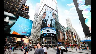 Lee Martin (Getty Images) and Lionel Reina (APO Group) on the NASDAQ Tower in New York's Time Square