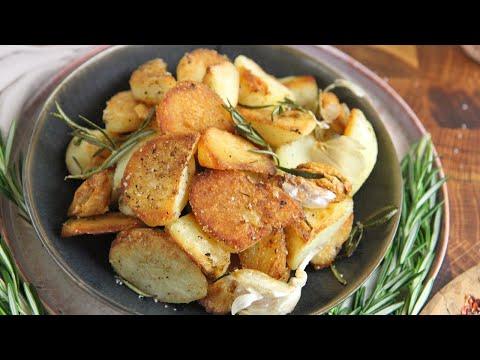 The Best Crispy Roasted Potatoes (Rosemary & Garlic)