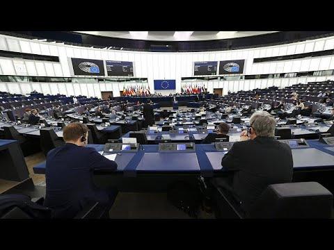A magyar és lengyel helyreállítási alap elbírálását kérték számon a Bizottságon az EP-ben…