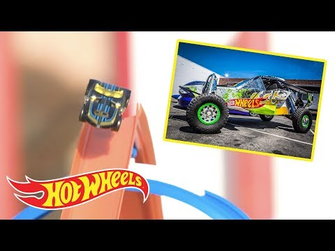Cruising Through The Car Museum | Hot Wheels Unlimited: Track Builder Edition | Hot Wheels