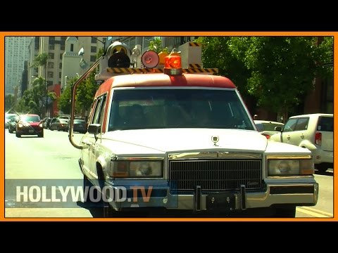 Ride along with Lyft in Ecto1 at Comic-con - Hollywood TV