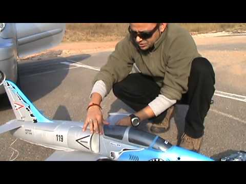 RC L-39 Albatross EDF Jet Maiden with bad CG - UCsFctXdFnbeoKpLefdEloEQ