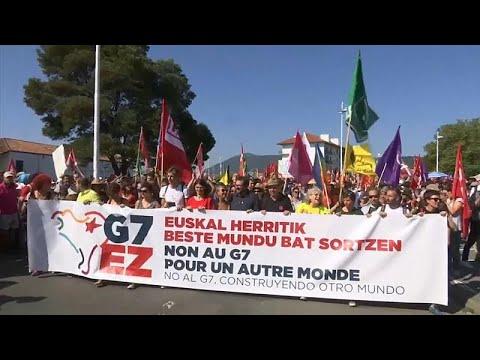 G7 : la marche des ONG rassemble des milliers de personnes