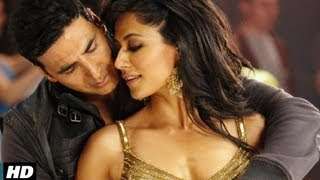 Allah Maaf Kare Full Video Song from Desi Boyz