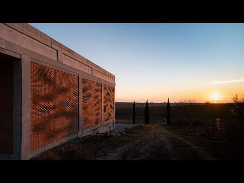 Kitrvs winery's facades built from 13,596 individually rotated bricks