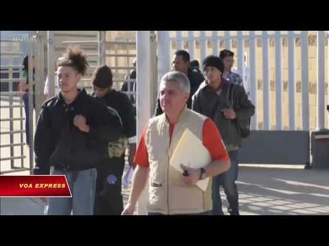 Mỹ trả người xin tị nạn qua biên giới Mexico (VOA)