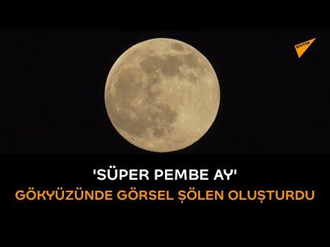 'Süper Pembe Ay' gökyüzünde görsel şölen oluşturdu