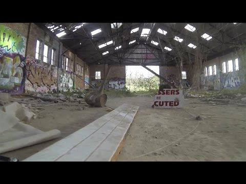 QAV250 Abandoned warehouse racing/chaos - UCeqRtqvvWx2ysFqpyt5oICA