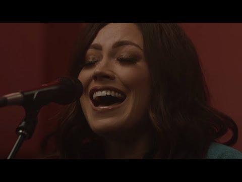 Let The Light In // Kari Jobe // New Song Cafe