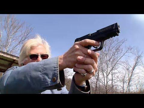 After Parkland: Phần 3 Hoa Kỳ chia rẽ vì súng ống (VOA)