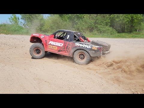 Ты его давно ждал! Traxxas Unlimited Desert Racer, который намерен уделать Losi - UCvsV75oPdrYFH7fj-6Mk2wg