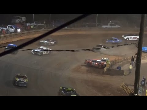Stock V8 at Lavonia Speedway October 16th 2021 - dirt track racing video image