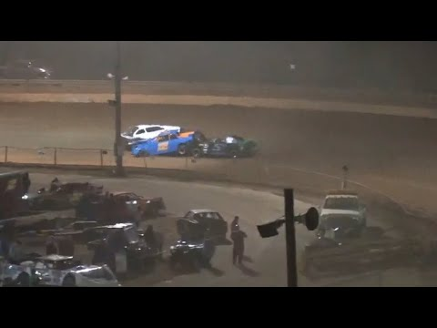 Stock 4 at Lavonia Speedway October 16th 2021 - dirt track racing video image