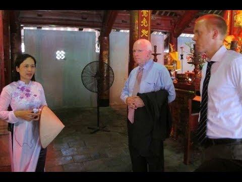 John McCain trong lòng nhân dân Thủ Đô và trong lòng dân VN