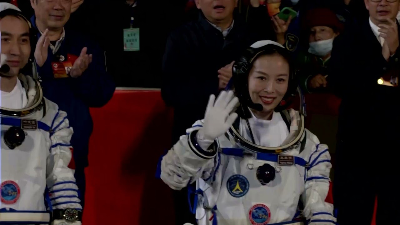 Chinese astronauts arrive at space station
