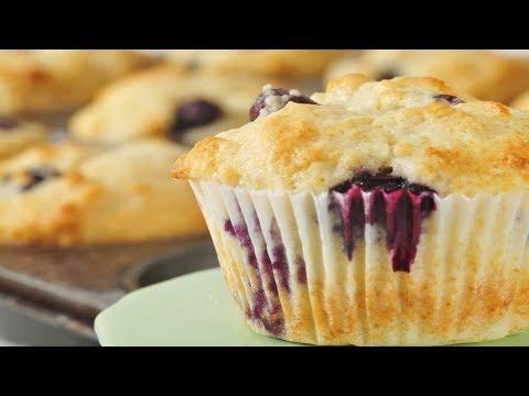 Blueberry Muffins Recipe Demonstration - Joyofbaking.com - UCFjd060Z3nTHv0UyO8M43mQ