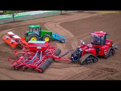 RC Tractors John Deere, Case and Fendt at work! Siku Farmland in Neumünster, Germany. - UCZQRVHvPaV4DRn3tp8qrh7A