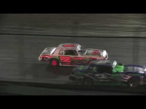 KSP IStock 02 26 17 - dirt track racing video image