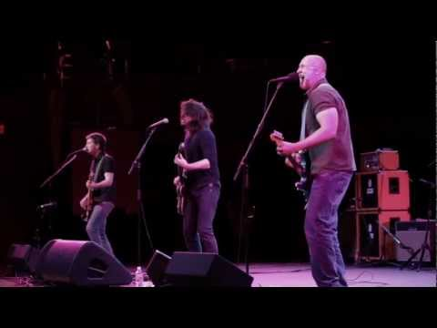 "Bob Mould and Dave Grohl - ""Ice Cold Ice"" live from the Walt Disney Concert Hall - UCr5dzW-1tFjUhrQYlYi4xUw"