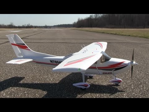 Flyzone Cessna 182 RTF Review - Part 1, Intro and Flight - default