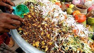 Roadside Delicious food chole masala or chole vuna @ Tk 10 Popular street food in bd