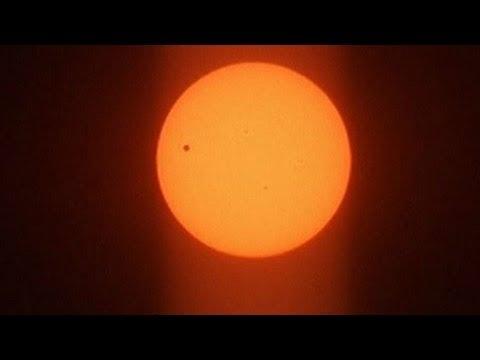 Sao Kim đi qua Mặt Trời