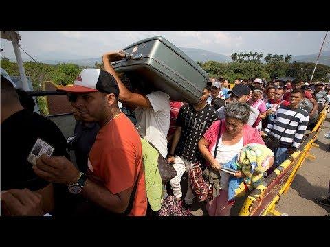 Dân Venezuela đi qua Colombia để được chăm sóc y tế