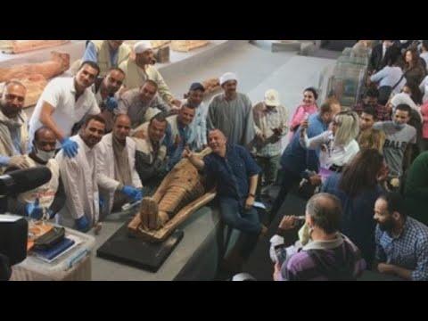 Presentan en Egipto más de 100 sarcófagos de unos 2.300 años de antigüedad