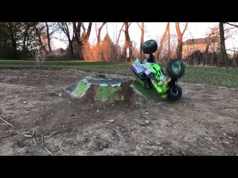 FIRST EVER BRUSHLESS Axial SMT10 Grave Digger R/C Monster Truck