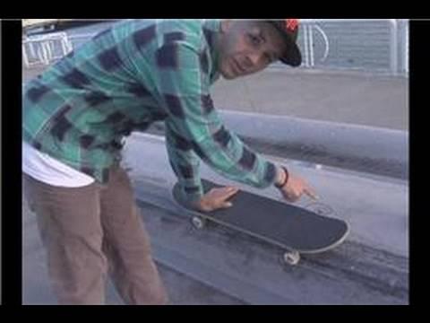 Skateboarding Tricks : Front Side Pop Shove It