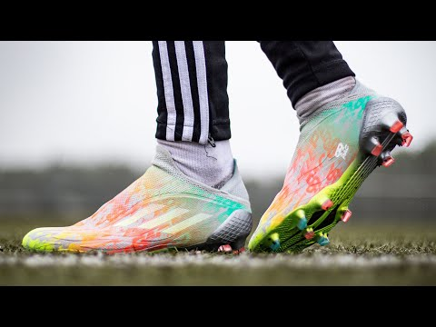 Doing 99 skills in the new FIFA 22 boots