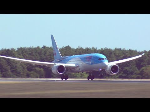 Summer plane spotting at London Luton Airport