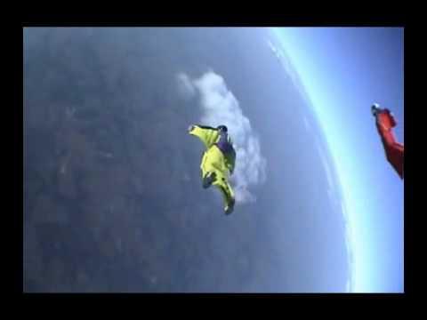 Bizarno skakanje sa litice – Base Jumping