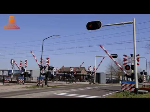 DUTCH RAILROAD CROSSING - Maarheeze - Den Engelsman photo