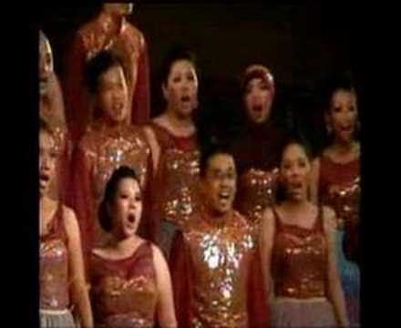 Infinito Singers sing Mahadaya Cinta