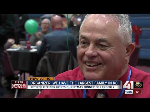 Retired police officer hosts Christmas dinner