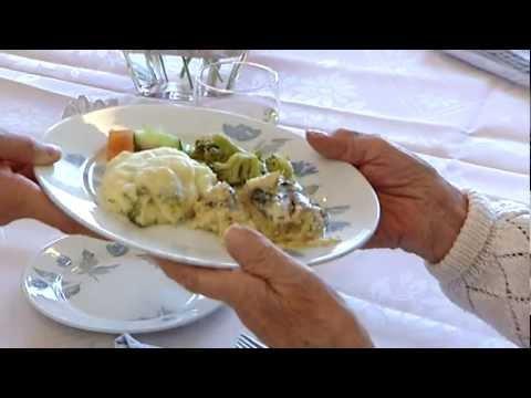 Så jobbar vi med seniormat i Sodexos kök i Märsta, till pensionärer i serviceboenden