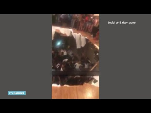 Uit je dak naar de kelder: dansvloer stort in, iedereen overleeft - RTL NIEUWS